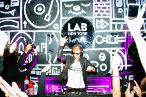 Armin_van_Buuren_Live_at_Mixmag_party_The_Lab_Club_New_York_2017_img1